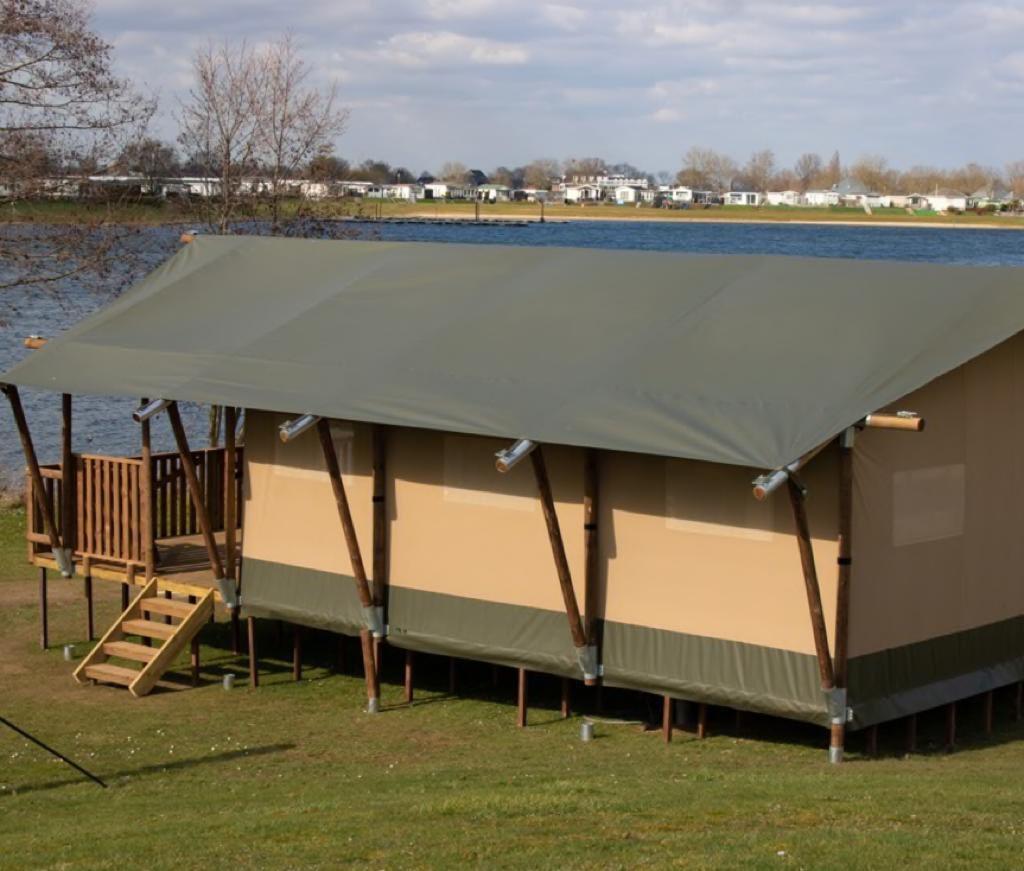 Recreatiepark Riverside Vodatent safaritent Nederland